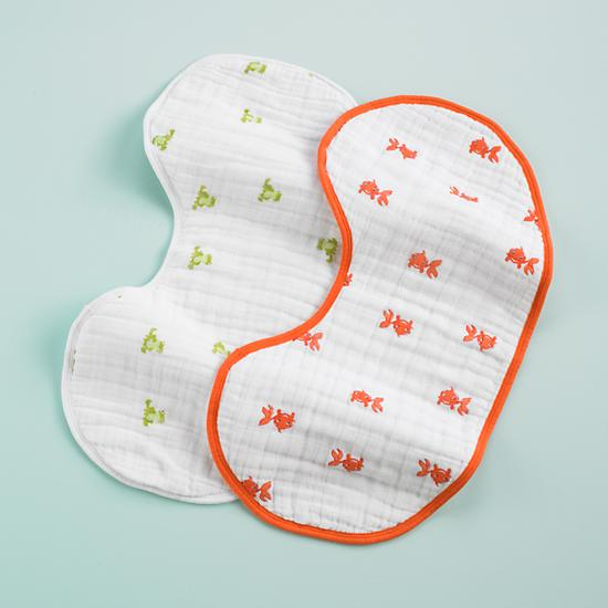 frogs-and-goldfish-burpy-bib-set